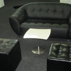 Оренда чорного дивану Магнат